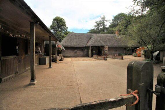 East Lodge, Armsworth Park (16)