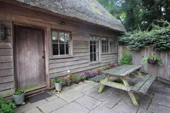 East Lodge, Armsworth Park (2)