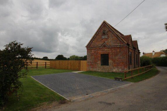 Bagshot Chapel, Stype (22)