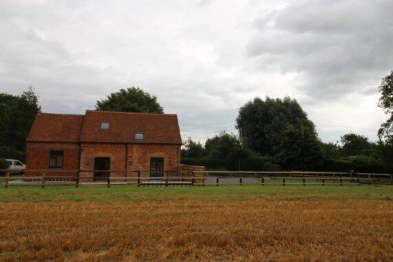 Bagshot Chapel, Stype (24)