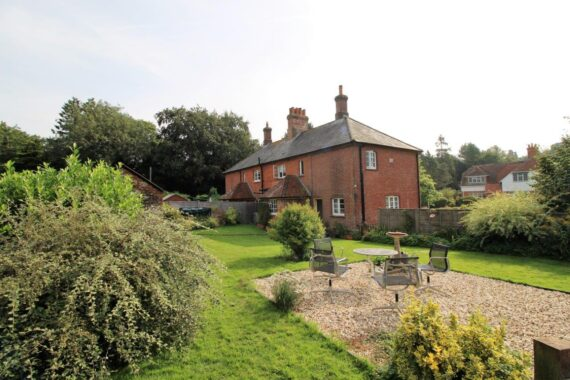 2 Manor Farm Cottages, Weston Corbett (10)