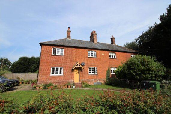 2 Manor Farm Cottages, Weston Corbett (7)